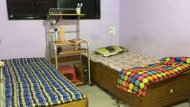 Available male paying guest at Vashi sector 28 palm beach