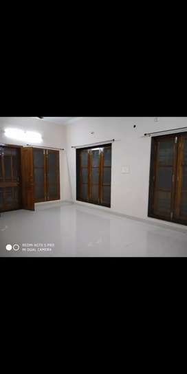 2bhk well maintained builder floor for rent