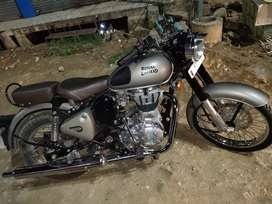 Sell my bullet classic only ak mahibe purani h 1200 km chali hui h