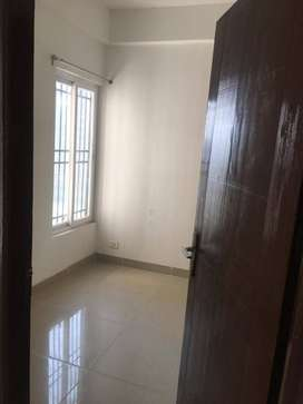 2 bhk semi furnished flat on rent in Ajnara Homes