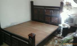 10 years old furniture for sale