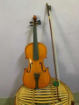 Violin made of fine spruce wood