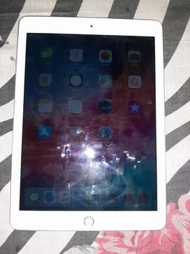 Apple ipad 6th gen 32gb 4month old like new