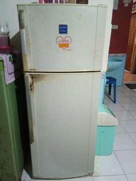kulkas sharp 2 pintu harga bisa nego