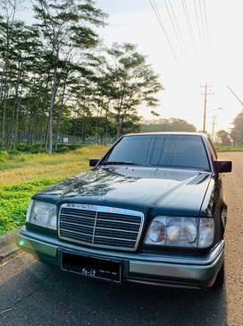 Mercedes benz E220 '95 W124 ( Super Istimewa )
