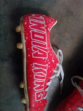 Boot shoes red colour