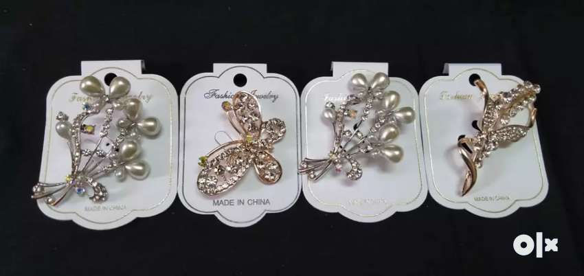 Fancy brooches 0
