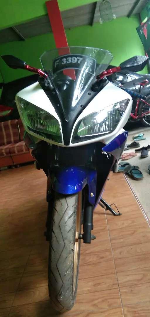 Yamaha R15 V2 2014 0