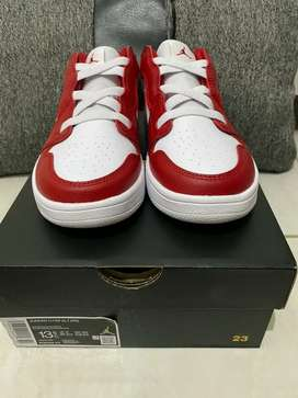 Nike Air Jordan 1 Low Gym Red PS size 13.5C