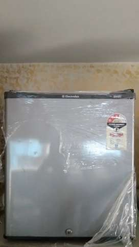 Electrolux 65 liter fridge in mint condition with delivery and warrnty