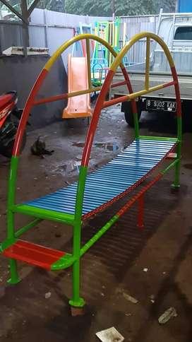 Ayunan mainan jembatan rantai