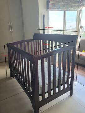 Selling baby cot with mattress