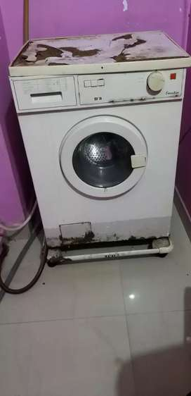 IFB (1997 MODEL) FRONT LOADED WASHING MACHINE FOR SELL