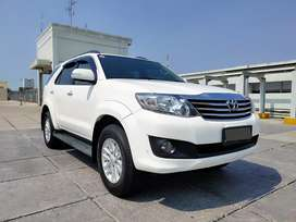 Fortuner Diesel 2.5 AT tahun 2012