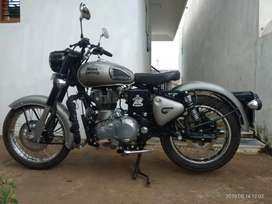 Brand new Royal Enfield classic 350 single hand used