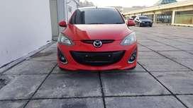 Mazda 2 R at 2011 merah pajak 1 thn