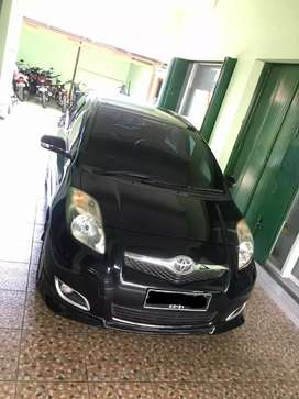 Yaris S limited 2011 low km