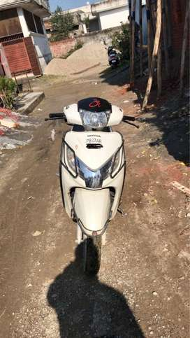 Activa 125 cc ok condition a one hand driving