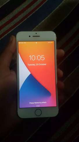 I phone 7 128 gb 100% sealed phone with charger