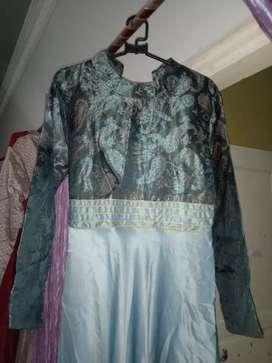 Gaun gamis modis warna hijau telor asin
