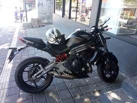 Motor kawasaki ER6N 600CC