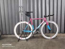Sepeda fixie intro 7 ( street fighter)