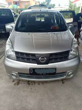 Nissan Grand Livina Silver (D) AT Mulus