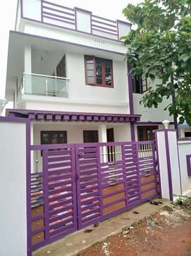 4 cent 1500 sqft 3 bhk house at kakkanad pukattupay kunjattukara