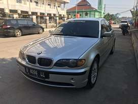 Dijual mobil bmw 325i tahun 2003