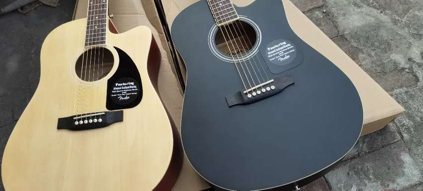 Fender Acoustic Guitar with bag pick strings delivery. 0
