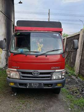 Truck Toyota Dyna 110 ST 2013