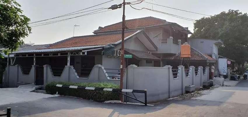 DIJUAL Rumah dgn Parkiran Luas Daerah Ciledug Tangerang ( PERURI ) 0