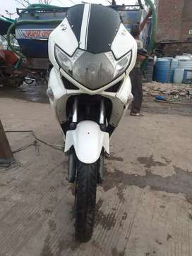 Zmr top condition 1st owner urgent sell new battery new tyres