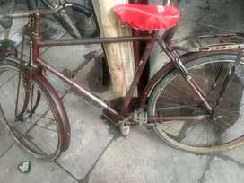 I want to sell my old hercules cycle...runing cycle