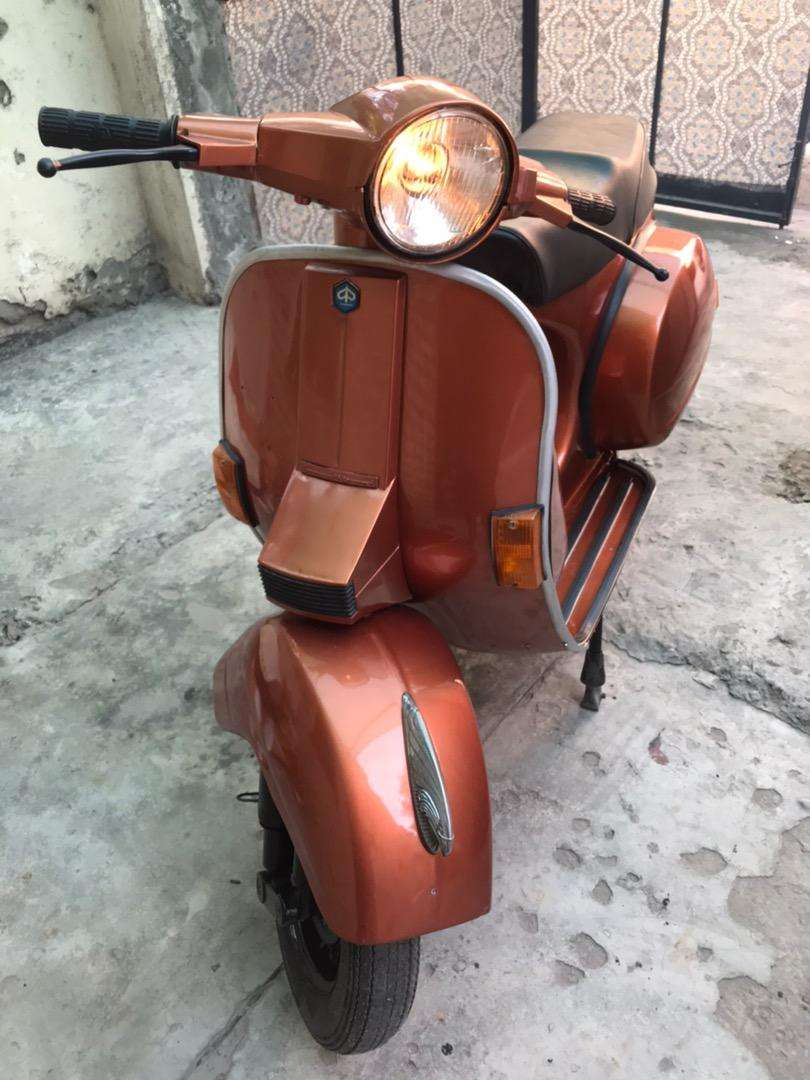 Vespa sprint full modify brand new engin and paint 0