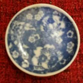Piring antik keramik cina