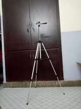 330A Professional Tripod Stand For DSLR & Smart Phone 4.5 FT Height