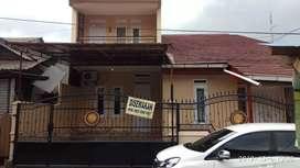 Rumah 2 lantai disewakan