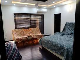 DHA Y block 1kanal Fully Furnished Upper 3 Bed Rooms For Rent