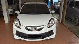 Honda Brio 1.3 E CBU M/T th 2013  DP 19jt  Harga Rp 95jt  Warna Putih