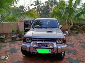 DOCTOR USED pajero, FULL service history