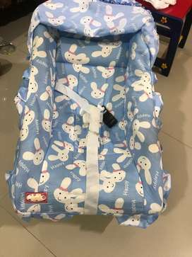 Baby carry cot (Dash )