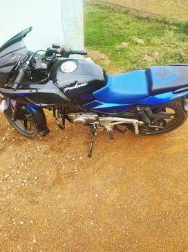 Pulsar 220 blue black only 2.5 year old model