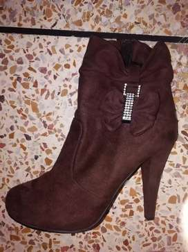 Ankle boots for woman