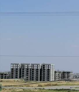 I 12 4 Plot avail prime location size 25x50 deal to owner