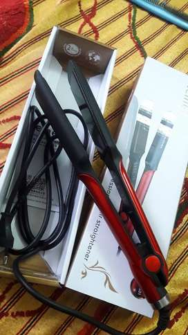 Straightener from kemei its of only 2 months its temperature control