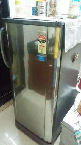 5 star rated in  TOP condition Samsung single door refrigerator