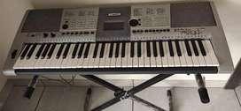 Yamaha PSR1425 keyboard