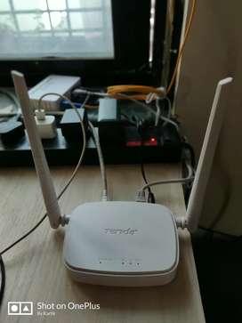 Tenda Wireless N300 router
