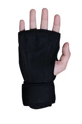 Glove for Gym 4mm thick Neoprene Black Color